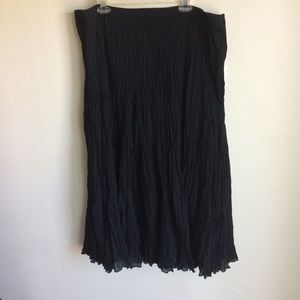 Jessica London Long Black Crinkle Skirt Size 30